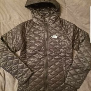 NORTHFACE COAT SIZE S NEW W/TAGS